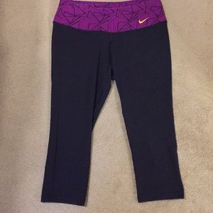 Nike Pants - Nike capris tights size medium